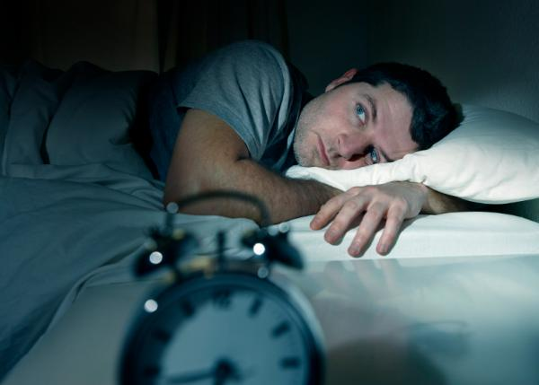 Cómo dejar de hablar dormido