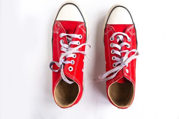 Qué significa soñar con zapatos - Significado de soñar con zapatos rojos