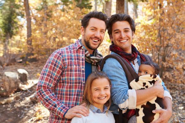 9 tipos de familia que existen y sus características - 7. Familia homoparental
