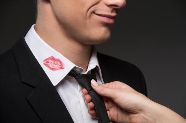 que hacer cuando un hombre casado te busca