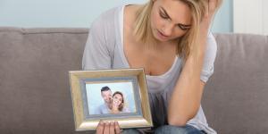 ¿Por qué mi pareja guarda cosas de su ex?