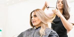 ¿Qué significa soñar que te cortan el pelo?
