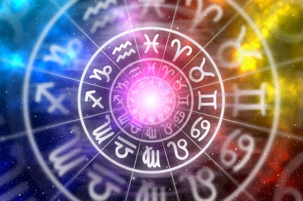 Efecto Forer o Barnum: qué es y ejemplos - Ejemplos: el horóscopo, el tarot y la astrología