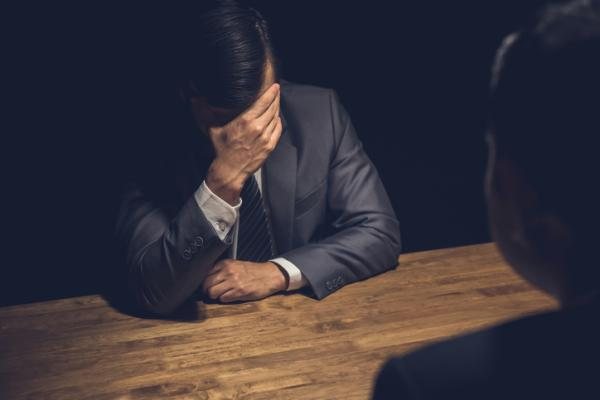 Maltrato psicológico al hombre: causas, síntomas, consecuencias y cómo salir