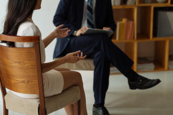 Cómo vencer la timidez con los hombres - Terapia psicológica