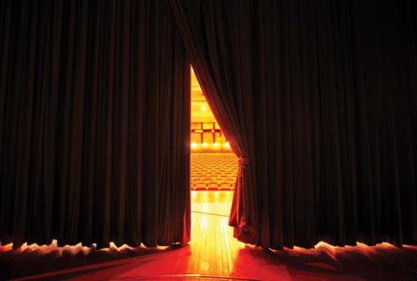 El teatro terapéutico: definición y beneficios - Qué es el teatro terapéutico