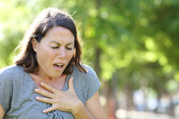 ¿La ansiedad provoca espasmos musculares y pinchazos?