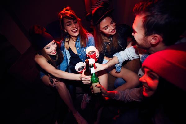 Causas y consecuencias del alcoholismo en adolescentes