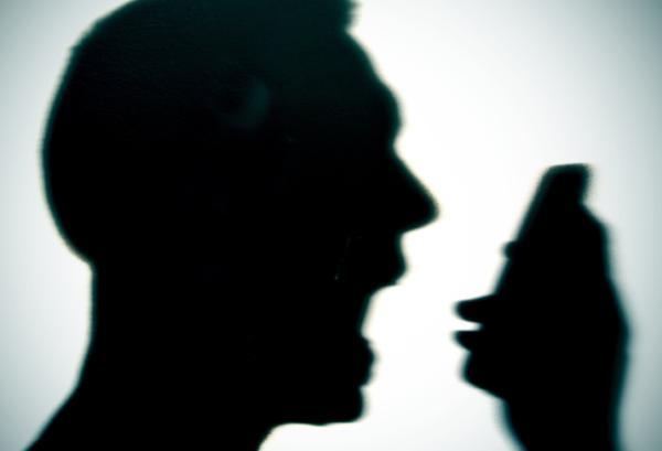 Maltrato emocional: qué es, tipos, consecuencias y señales