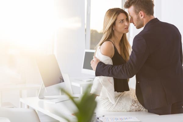Cómo ser indiferente con un hombre - La indiferencia en el amor ¿funciona?