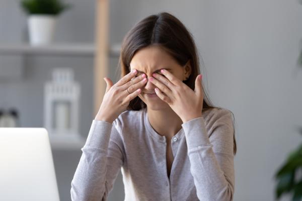 Labilidad emocional: qué es, síntomas, causas y tratamiento