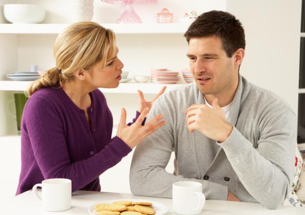 Discusiones de pareja por whatsapp: cómo gestionarlas - Malentendidos por whatsapp: cómo ocurren
