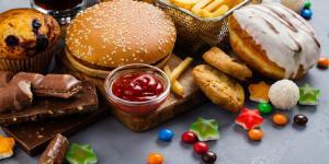 Adicción a la comida: qué es, síntomas, causas, consecuencias y tratamiento