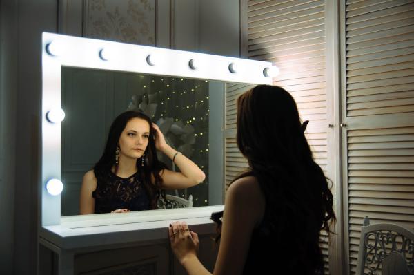 Autoestima en la adolescencia: evolución e impacto - Autoestima en adolescentes según la psicología