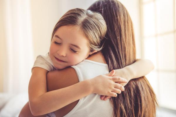 El poder de un abrazo y sus beneficios psicológicos