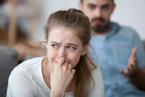 Mi pareja me insulta cuando se enfada: ¿por qué y qué hago?