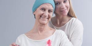 Mi madre tiene cáncer: ¿cómo puedo ayudarla?