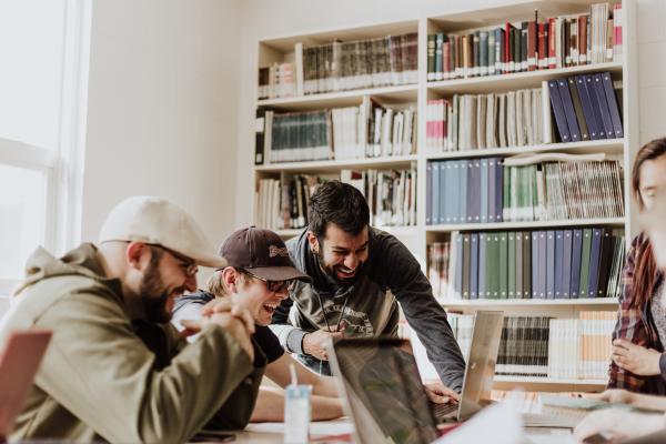 La importancia de la comunicación en la empresa - Tipos de comunicación empresarial: ejemplos