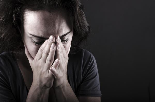 Cómo ayudar a una persona con trastorno de estrés postraumático - Síntomas del trastorno de estrés postraumático