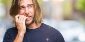 ¿Qué es la onicofagia? Definición, causas y tratamiento