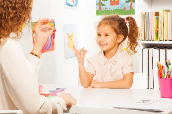 Cuándo ir al psicólogo infantil - Cuándo esperar para llevar a un niño al psicólogo