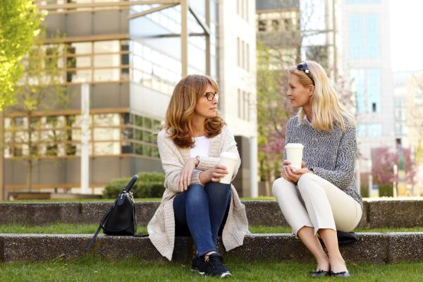 Cómo mantener buenas relaciones interpersonales - Factores que mantienen las relaciones personales: la afinidad