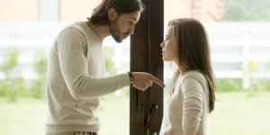 Mi novio me trata mal cuando se enfada, ¿por qué y qué hacer?