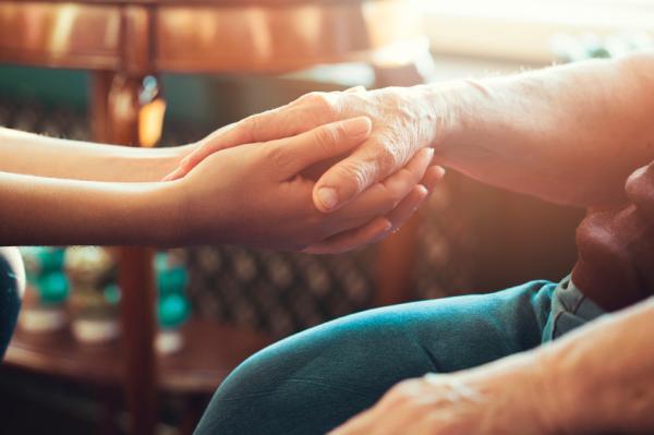 Orientaciones a familiares y pasos terapéuticos para ayudar al alcohólico - Terapias familiares para tratar el alcoholismo