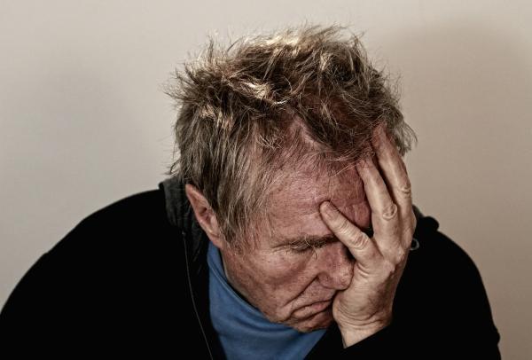 Tipos y clasificación de las crisis epilépticas - Tipos de crisis epilépticas según sus síntomas
