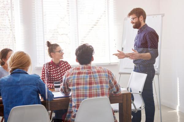 Cómo ser proactivo en el trabajo - Qué es ser proactivo: ejemplos de proactividad en una empresa