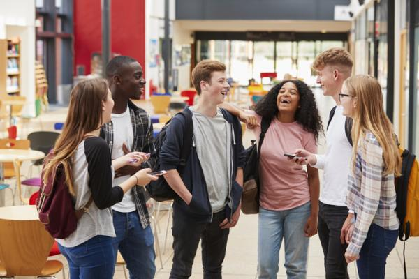Habilidades sociales: qué son, tipos, listado y ejemplos