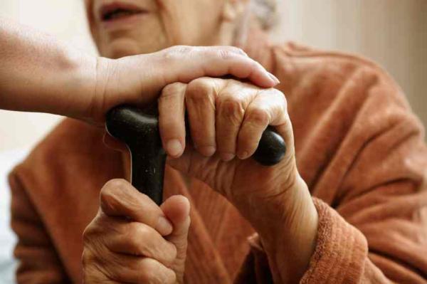 """Cómo cambian nuestras capacidades cognitivas en el envejecimiento - Definición de """"envejecer"""""""