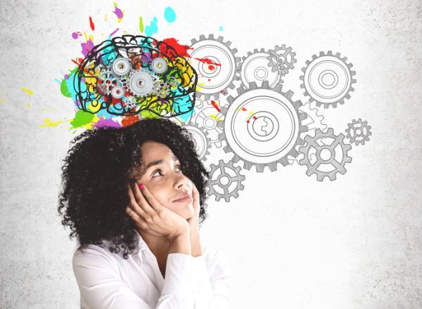Inteligencia creativa: características, ejemplos y cómo desarrollarla