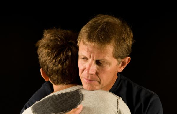 8 técnicas para no enfadarse tanto - Gestos cariñosos, una gran técnica para controlar el enfado