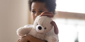 Carencia afectiva: qué es, consecuencias y cómo curarla