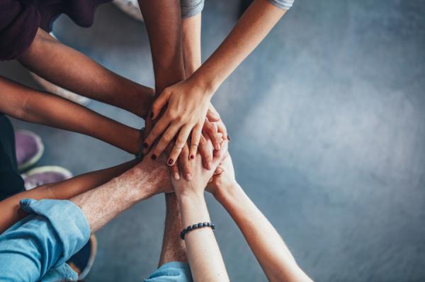 Inteligencia interpersonal: qué es, ejemplos y actividades para mejorarla - Inteligencia interpersonal e intrapersonal: diferencias