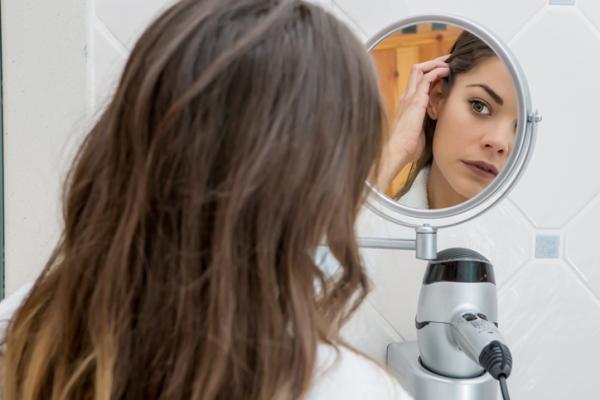 Dismorfia corporal: qué es, causas, síntomas y tratamiento - Dismorfia corporal: causas