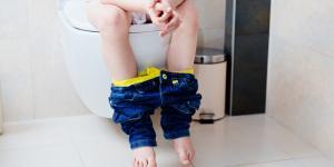 Enuresis diurna infantil: síntomas y tratamiento