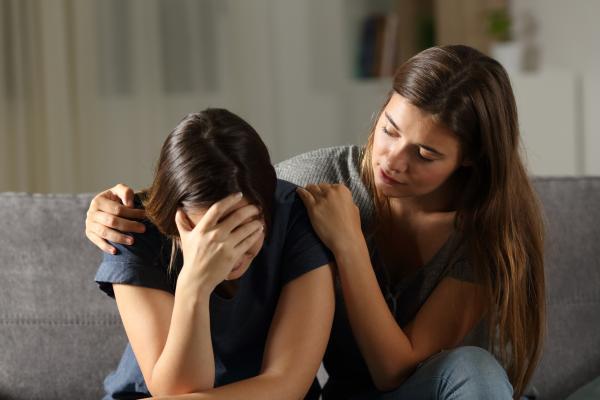 ¿Cómo ayudar a una mujer maltratada?