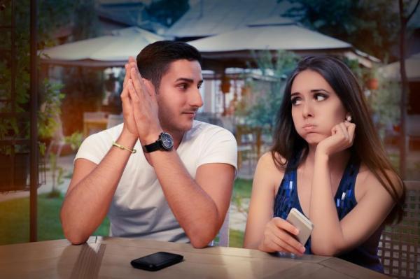 Por que ele/a fala da/o ex para mim - Ele/a fala da/o ex para mim: 8 causas possíveis