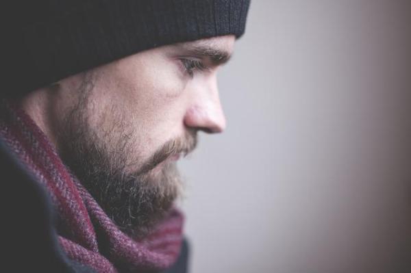 Transtorno depressivo persistente: definição, sintomas e tratamento - Sintomas da distimia