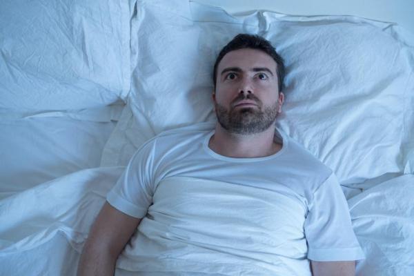 Paralisia do sono: causas, sintomas e como evitar