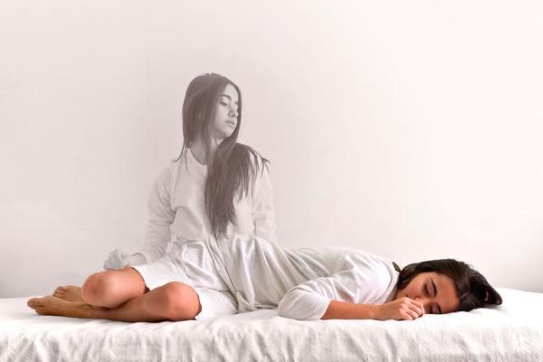 Paralisia do sono: causas, sintomas e como evitar - Sintomas de paralisia do sono