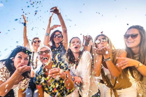 O que significa sonhar com festa