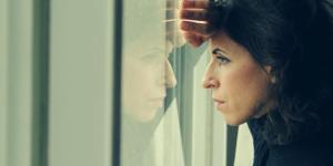 Crise existencial: sintomas, significado e tratamento
