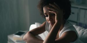 Ansiedade ao acordar: por que surge e como controlá-la