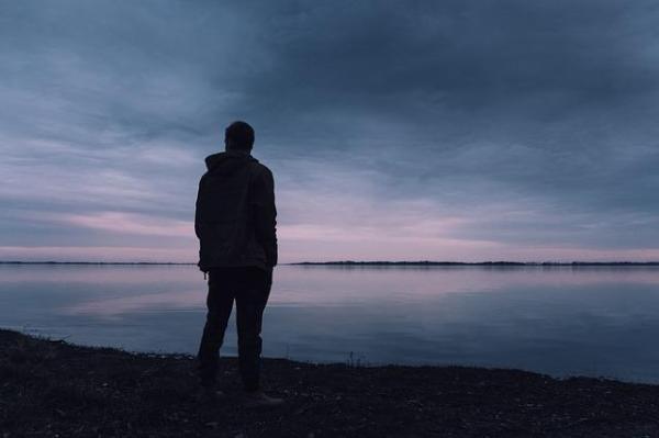 Gostar de ficar sozinho/a é normal? - A experiência positiva da solidão