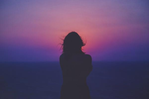 Gostar de ficar sozinho/a é normal?