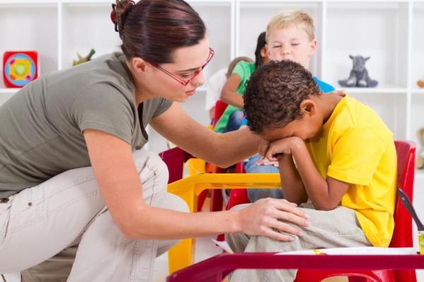 Como lidar com uma criança autista - Como lidar com uma criança autista na escola